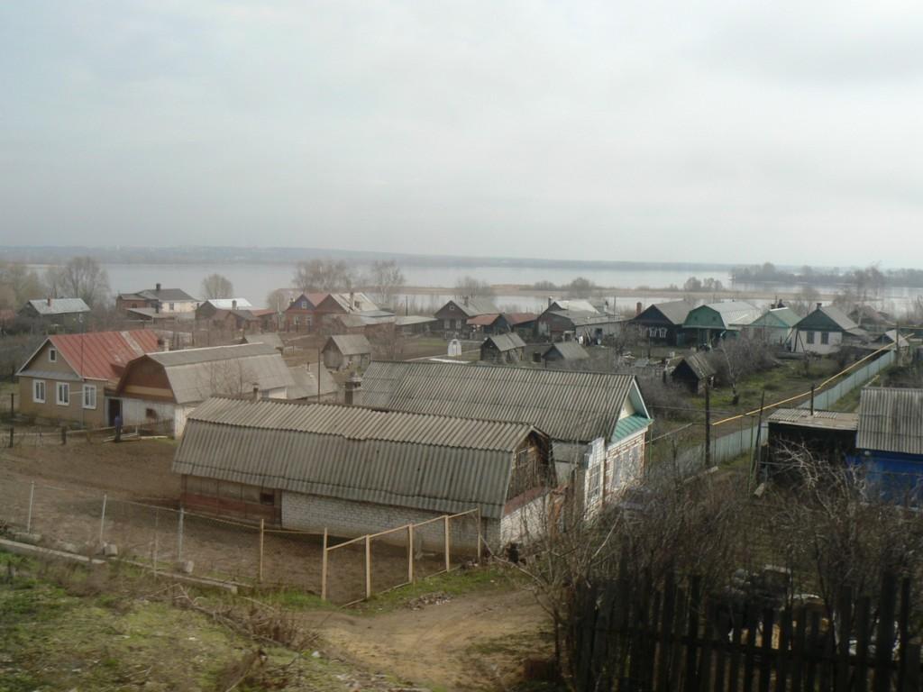 Nizhniye Vyazovye on Volga River