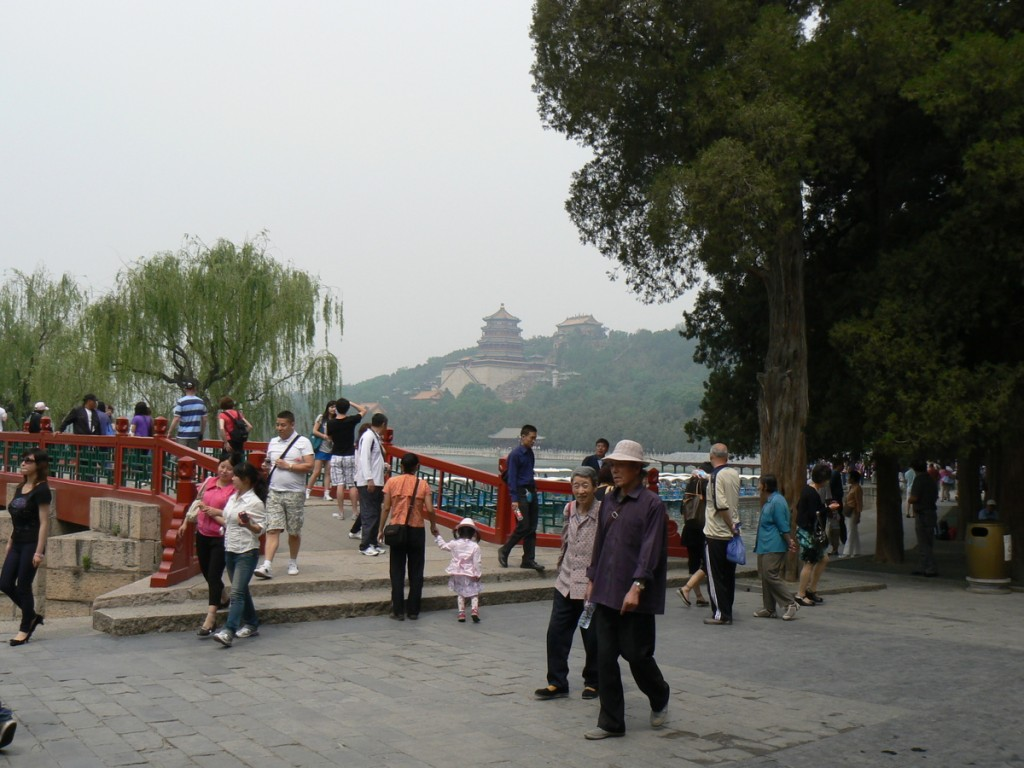 Kunming lake and Tower of the Fragrance of the Buddha